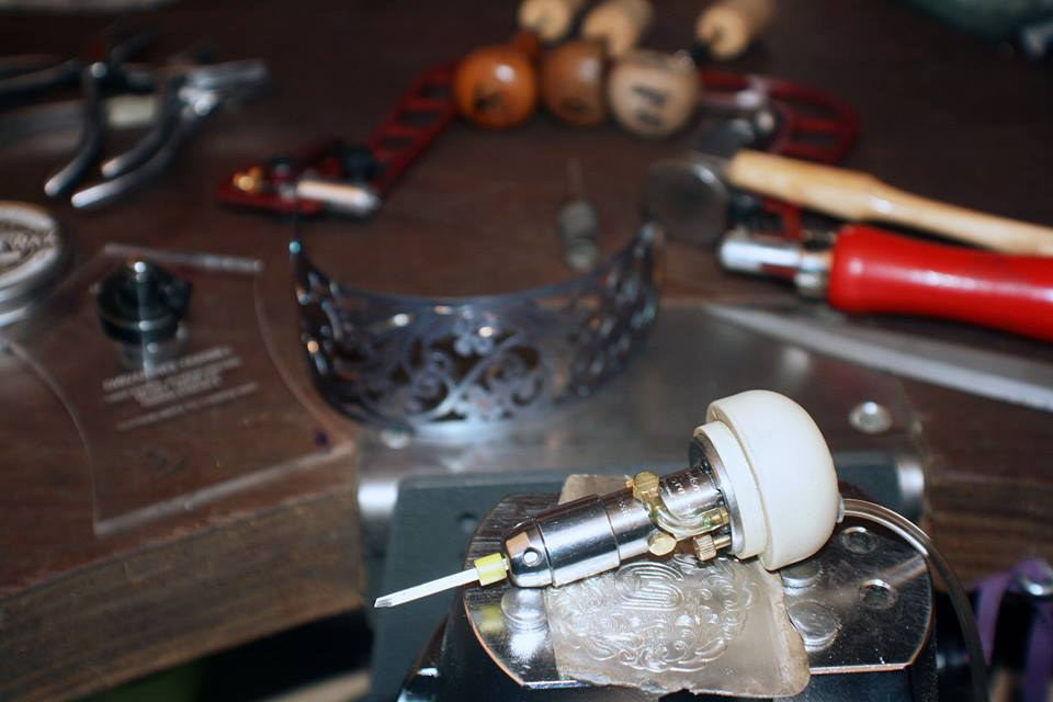 werktafel atelier goudsmid en graveur Caty blom Vlaardingen
