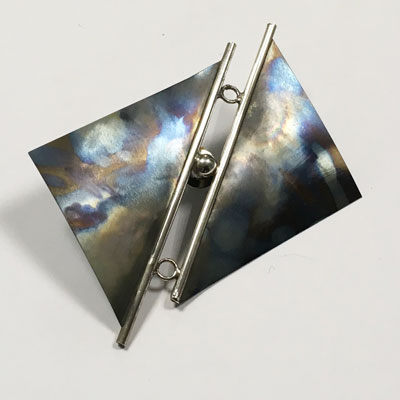 Titanium zilveren broche