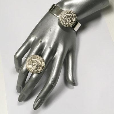 Zilveren ring en bloem armband